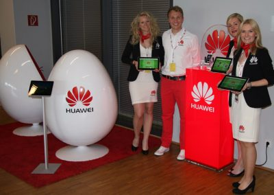 Kunde HUAWEI | Produktion DISPLAY, EGG-CHAIRS, HOSTESSKLEIDUNG