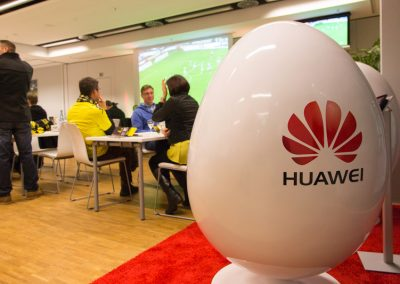 Kunde HUAWEI | Produktion DISPLAY, EGG-CHAIR
